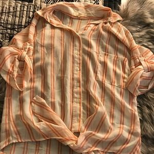 Pearl Button down tie front top size S